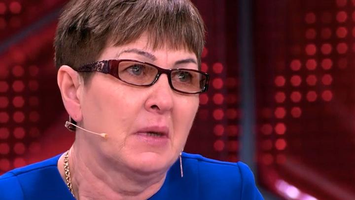 """Кадр из программы """"Прямой эфир"""". Мать бизнесвумен из Иркутска побывала на месте гибели дочери"""