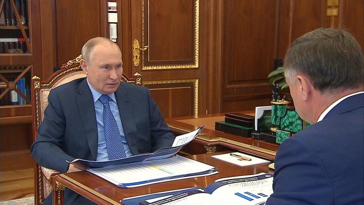 Путин призвал повышать безопасность дорожного движения