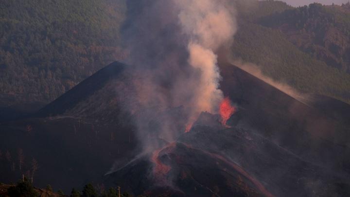 Извержение вулкана: аэропорт Пальмы возобновляет работу