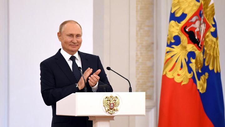 Госдума 8-го созыва приступила к работе: с депутатами встретится Путин