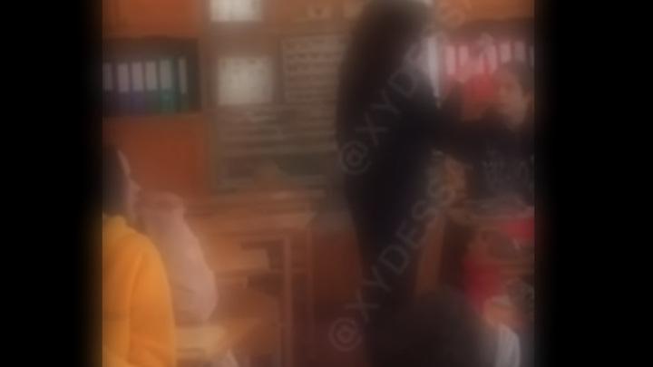 В Вязьме школьник распылил в лицо учительнице перцовый баллончик