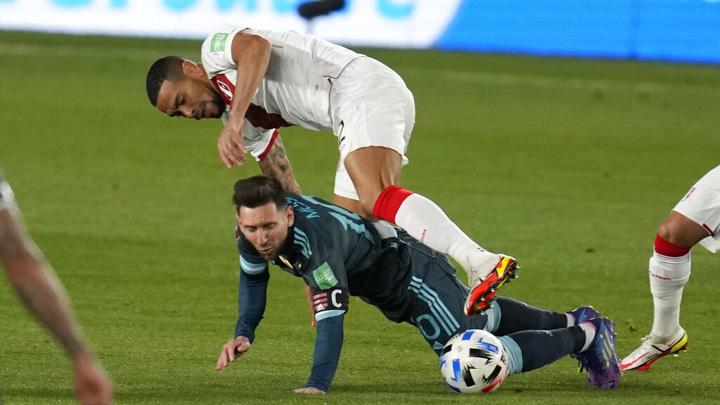 Сборная Аргентины с Месси одолела команду Перу