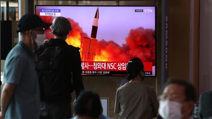 Северная Корея снова запустила неопознанный снаряд в сторону Японского моря
