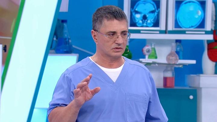 "Опасна ли прививка от коронавируса при отеке мозга. Кадр из программы ""О самом главном"""