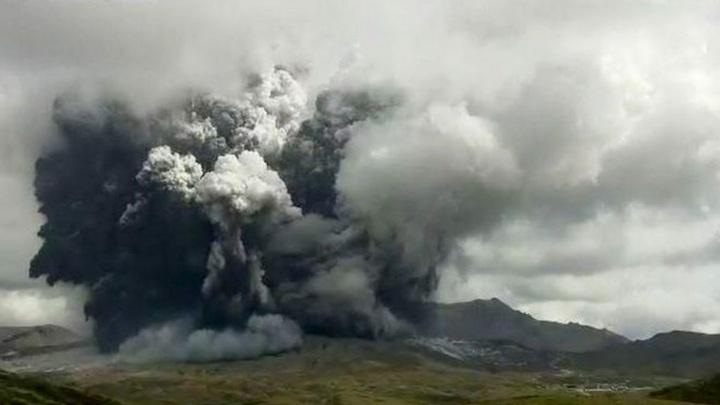 Один из крупнейших вулканов в мире проснулся в Японии