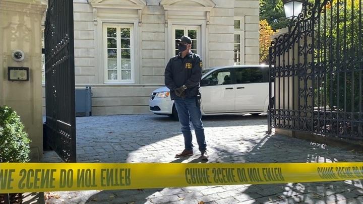 Обыски в домах Дерипаски: ФБР устроило шоу, но не дало объяснений