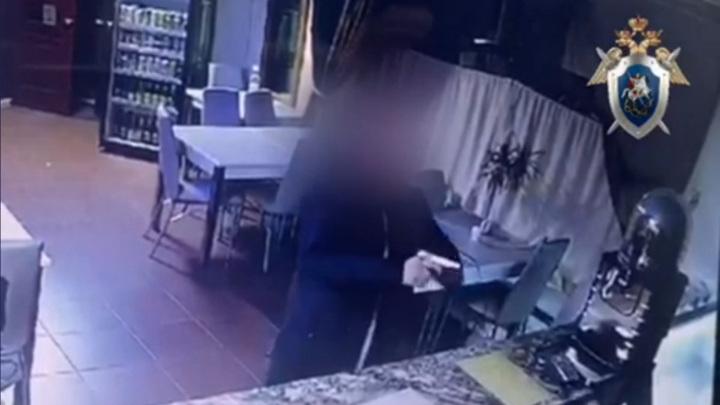В Богородске посетитель угрожал сотруднице кафе пистолетом