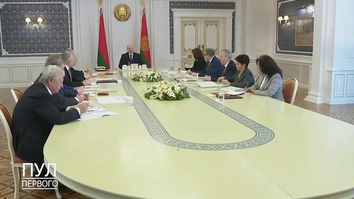 Новая белорусская конституция может быть готова через месяц