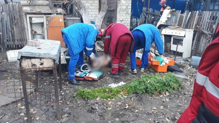 В Саратове в результате взрыва во дворе дома погиб мужчина