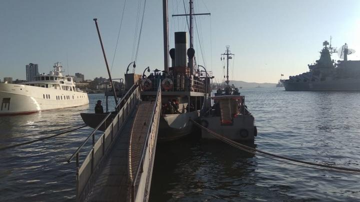 Во Владивостоке едва не сгорел корабль-музей