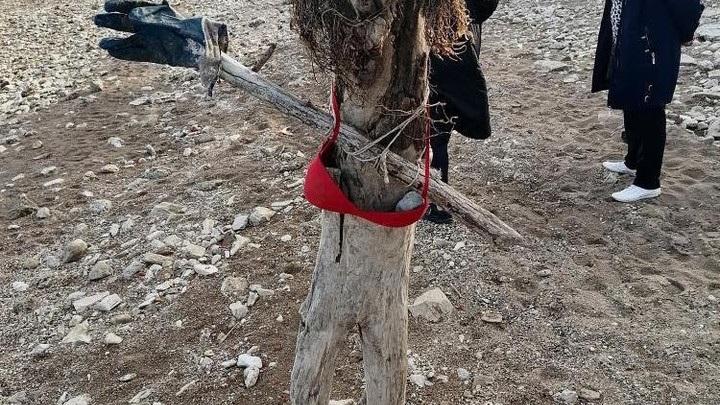 Из найденных человеческих останков на пляже в Камском Устье делают пугало
