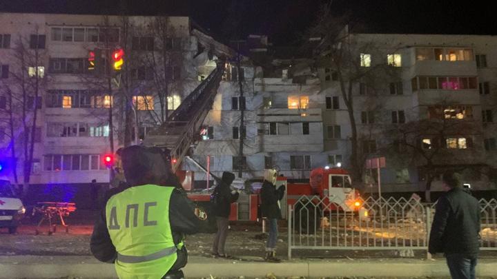Из-под завалов извлекли жильца квартиры, где произошел взрыв