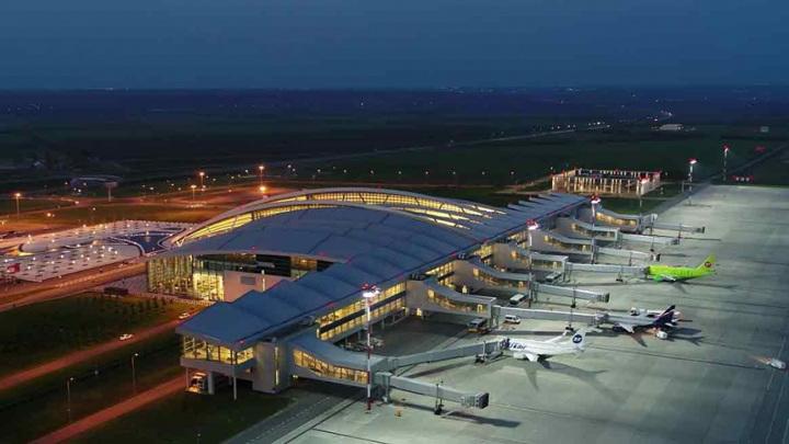 В Ростове-на-Дону самолет из Стамбула встречала полиция