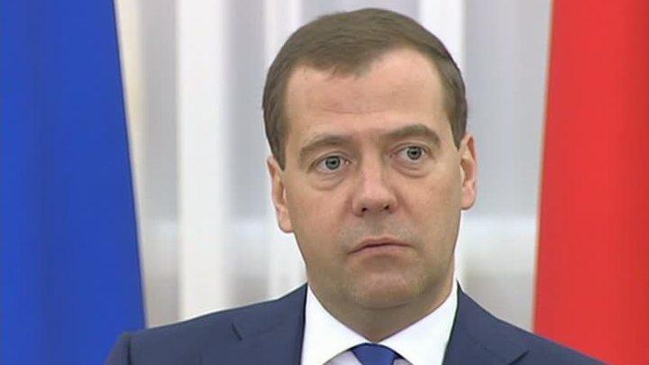 Премьер-министр России поздравил Владимира Краснопольского с 80-летием