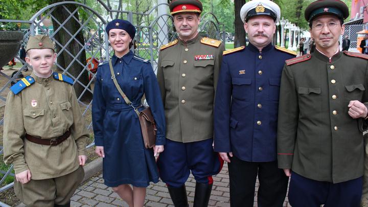 9 мая, Москва, благотворительный бал «В 6 вечера после войны».