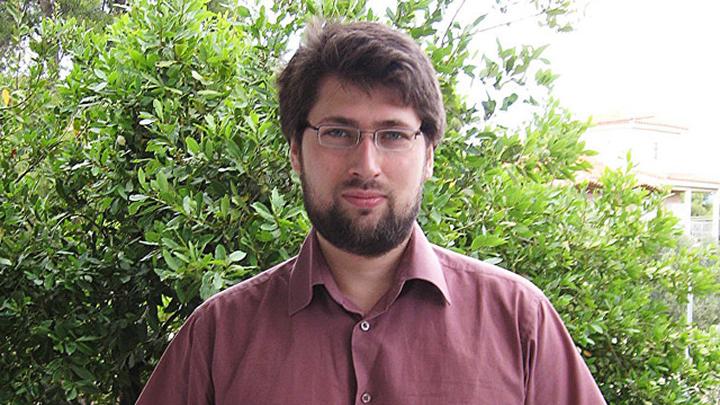 Колташов Василий Георгиевич – руководитель Центра экономических исследований Института глобализации и социальных движений