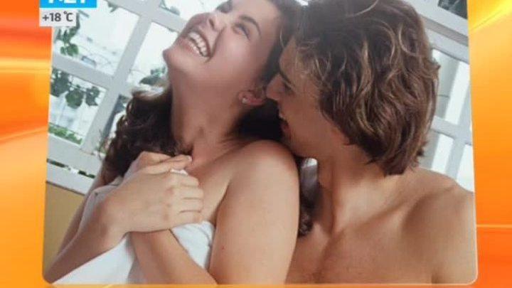 Видео трое занимаются сексом в воде