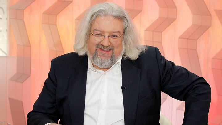"""Ведущий программы """"Наблюдатель"""" Андрей Максимов"""