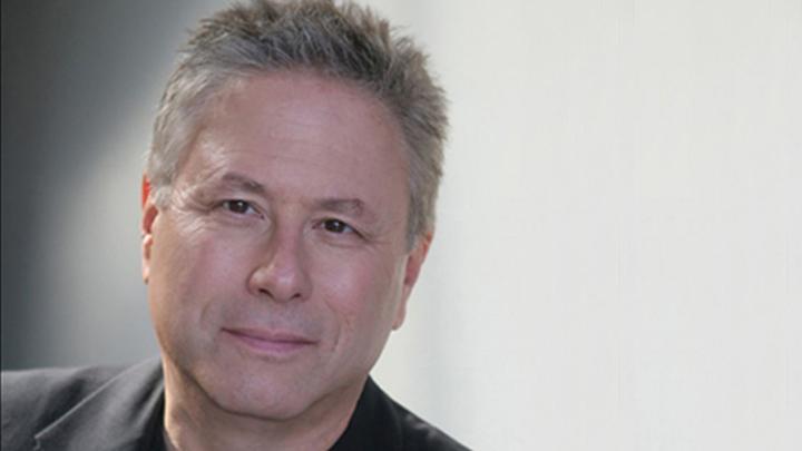 Американский композитор, продюсер, автор мюзиклов Алан Менкен (Alan Menken).