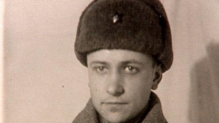 Советский поэт-фронтовик Семён Петрович Гудзенко, автор - /pomninas.ru/