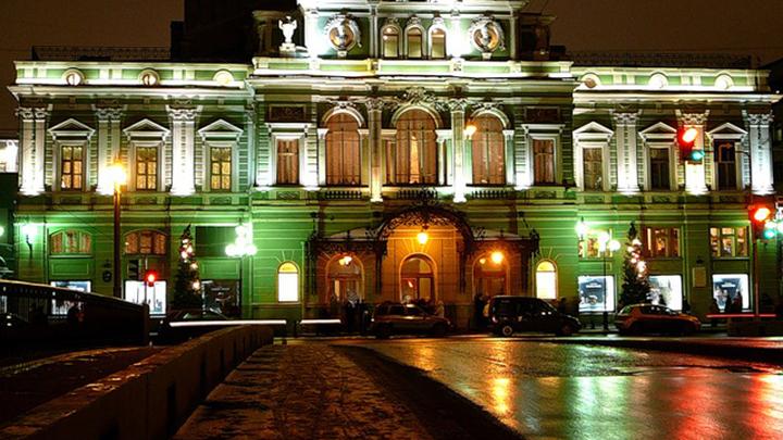 В Театре имени Товстоногова поднимают занавес