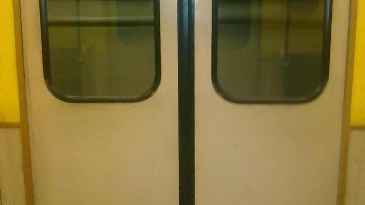 Полиция метро опровергает информацию об угрозах с зараженным шприцем