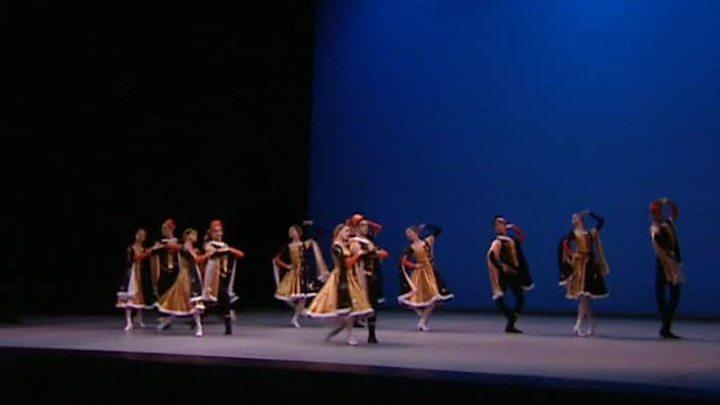 Выпускники Московской академии хореографии дали концерт