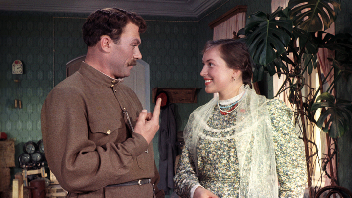 """Клара Лучко. Кадр из фильма """"Кубанские казаки"""", 1949"""