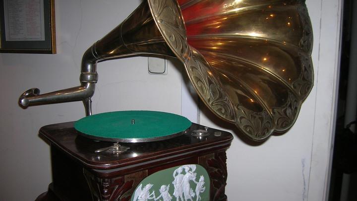 Граммофон из коллекции В. Дерябкина/ Фото Л. Варебруса