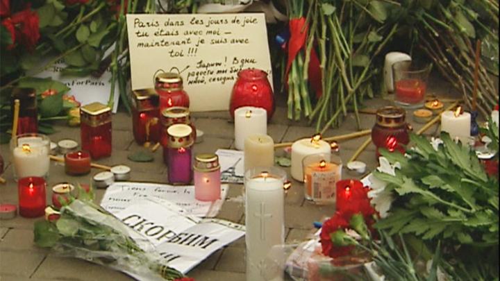 Весь мир скорбит вместе с Францией